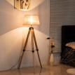 Lampadaire scandinave sur trépied en bois de pin crème